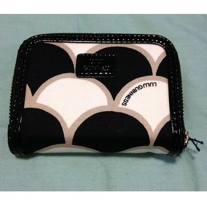 LG - 50's Scallop Print French Zip Wallet